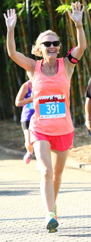 Sue Loncaric running a marathon